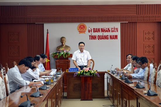 Vice Chairman Thanh  at the meeting