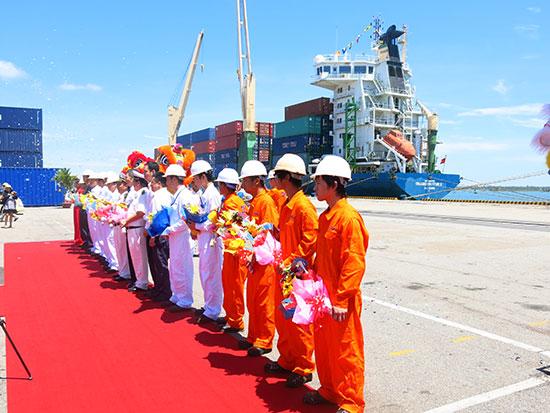 Khai trương tuyến hàng hải Hàn Quốc - Chu Lai và ngược lại. Ảnh: T.D