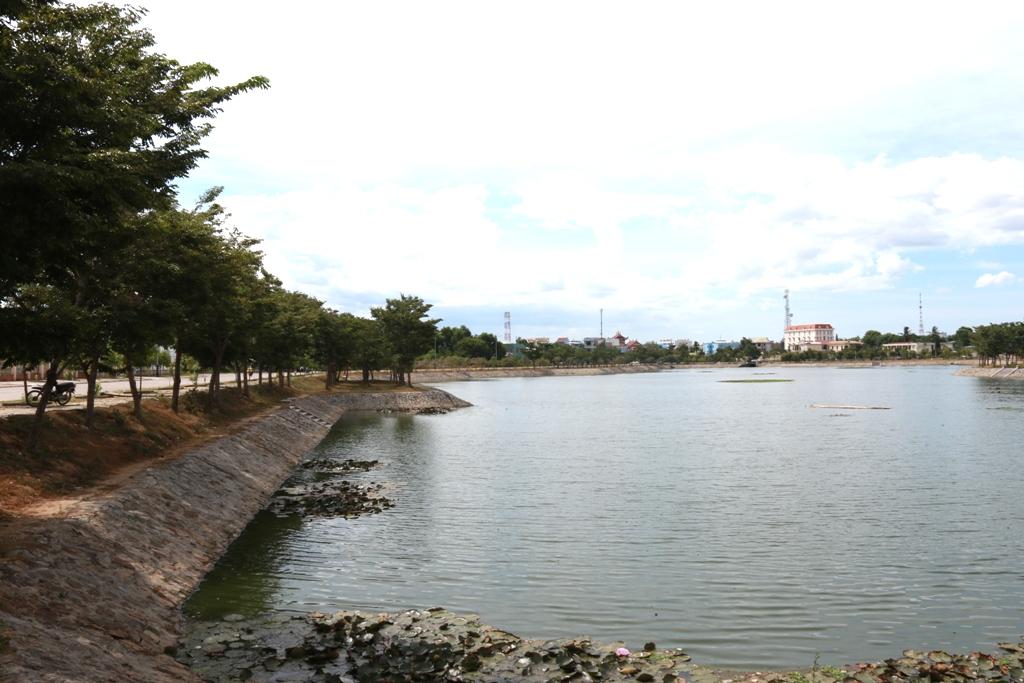 Hồ điều hòa Nguyễn Du, nơi Ly nhảy xuống và chết đuối sáng ngày 9.8. Ảnh: T.C