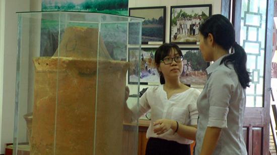 Thạc sĩ khảo cổ học Chikara Wakako được JICA cử đến làm việc với Trung tâm Quản lý bảo tồn di sản văn hóa Hội An. Ảnh: L.H