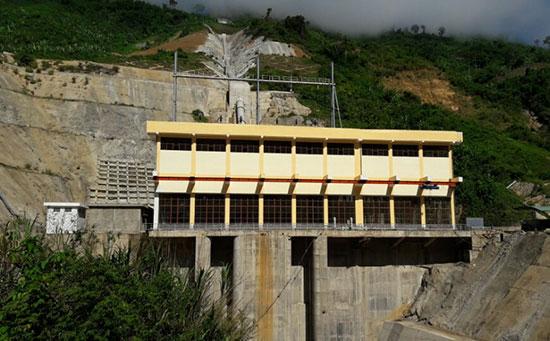 Ngoài nâng vốn đầu tư lớn, dự án thủy điện Sông Bung 2 còn chậm tiến độ.Ảnh: T.HỮU