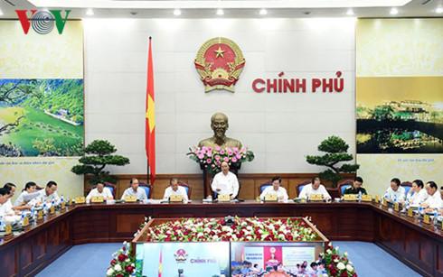 Thủ tướng Nguyễn Xuân Phúc chủ trì Hội nghị sơ kết công tác cải cách hành chính Nhà nước