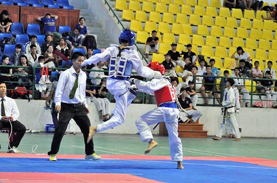 Các vận động viên trẻ có cơ hội cọ xát, tích lũy kinh nghiệm qua giải đấu quy mô cấp tỉnh lần đầu tiên tổ chức.Ảnh: A.SẮC