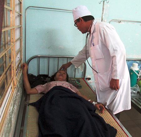 Nhiều ca bệnh đang được điều trị tại Trung tâm Y tế huyện Duy Xuyên.