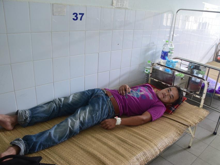Anh Trần Công Huy đang điều trị tại bệnh viện