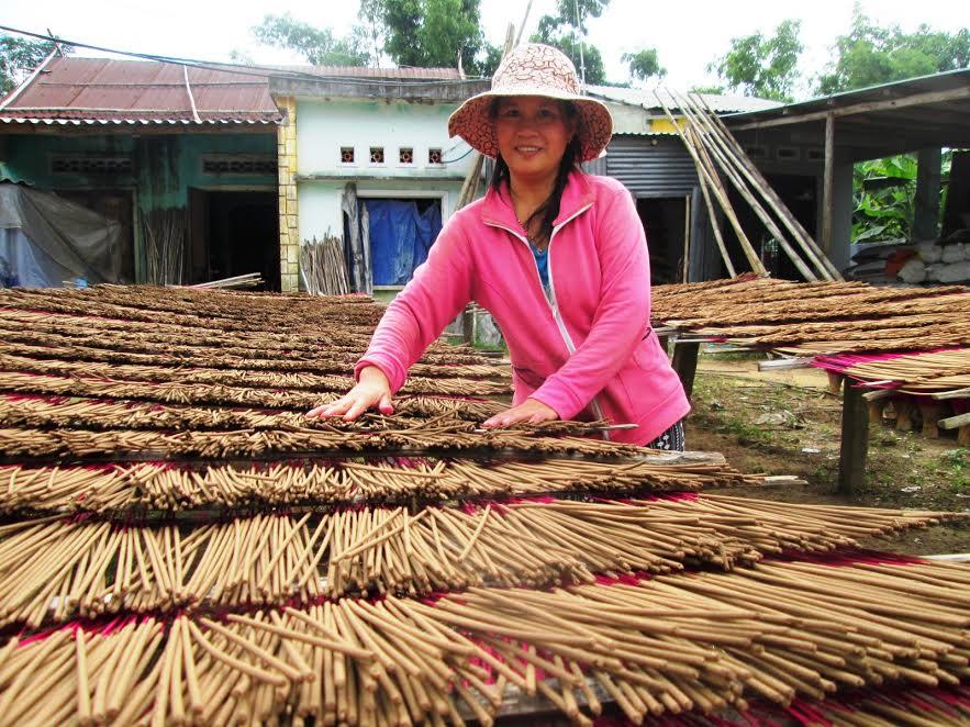 Nhờ chú trọng công tác đào tạo nghề, nhiều lao động nông thôn ở Đại Lộc có việc làm thường xuyên.