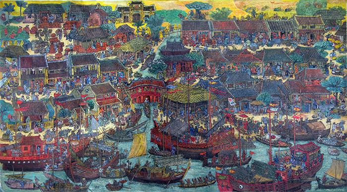 """Với kích thước 116x194cm, tác phẩm khắc gỗ """"Hội An xưa"""" có thể được xem là một bức tranh độc đáo, đầy sống động từ trước đến nay, miêu tả chi tiết cảnh một thời phồn vinh của Hội An từ nhiều thế kỷ trước.  Nhiều nhà chuyên môn cho rằng, đây có lẽ là tác phẩm có số lượng nhân vật nhiều nhất của tranh khắc gỗ Việt Nam (khoảng hơn 400 nhân vật)."""