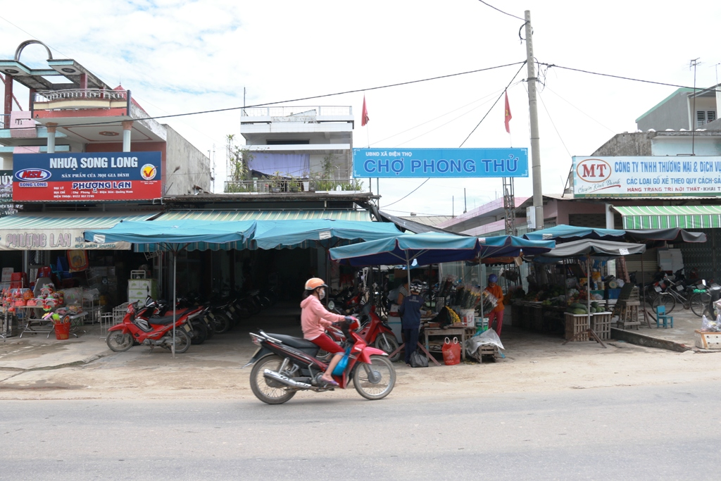 Chợ Phong Thử, nơi xảy ra các vụ trộm do Công thực hiện. Ảnh: T.C