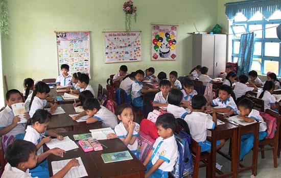 Quá tải trường lớp tại Khu công nghiệp Điện Nam - Điện Ngọc. Ảnh: S.A