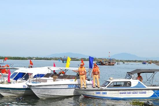 Tăng cường kiểm soát tuyến du lịch đường thủy Cửa Đại - Cù Lao Chàm (Hội An). Ảnh: C,TÚ