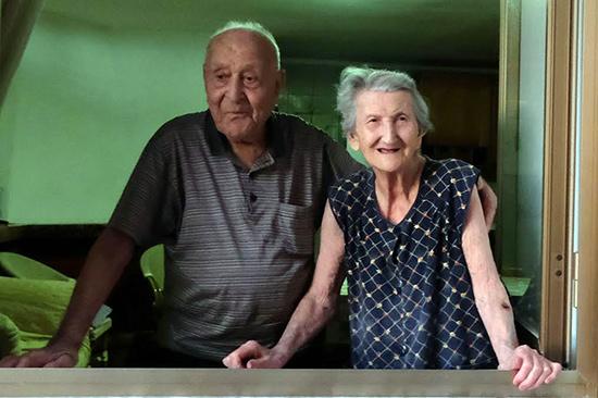 Ong Antonio Vassalo (100 tuổi) và bà Amina (93 tuổi). Ảnh: todayonline