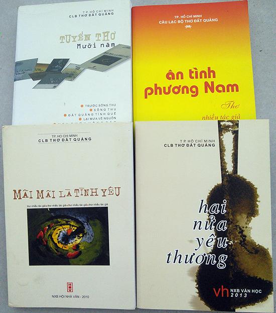 Một số tập thơ của CLB thơ đất Quảng. Ảnh: Bảo Lâm