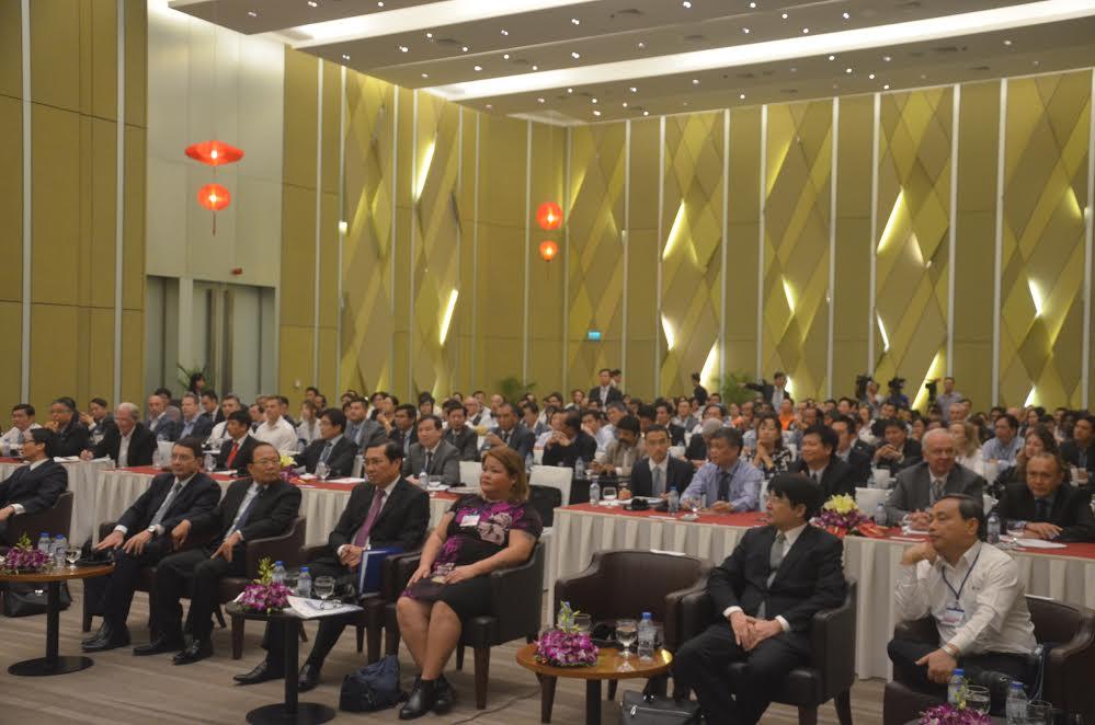 Các đại biểu tham dự hội nghị. Ảnh: XUÂN LAN
