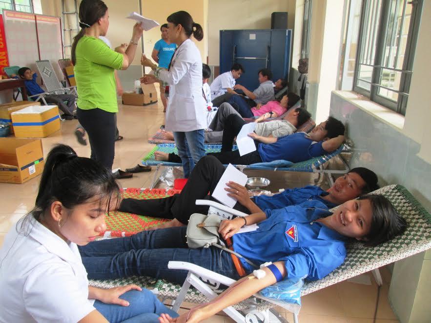 Đoàn viên, thanh niên huyện Duy Xuyên hiến 388 đơn vị máu trong đợt hè 2016.