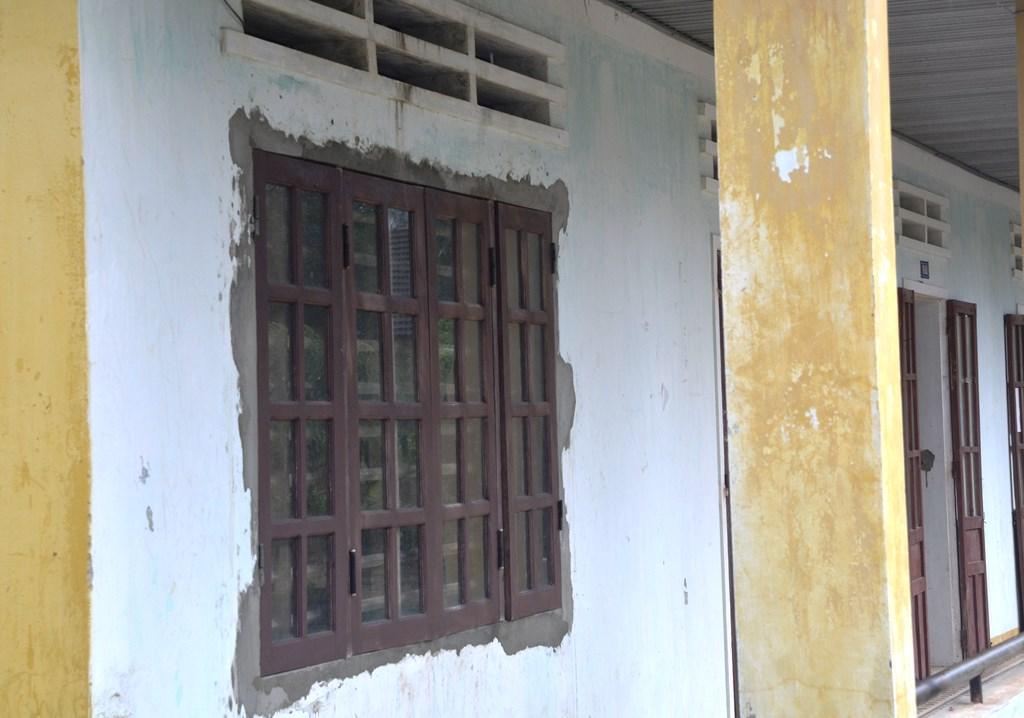 Hệ thống cửa được sửa chữa vào năm 2014. Ảnh: XUÂN KHÁNH
