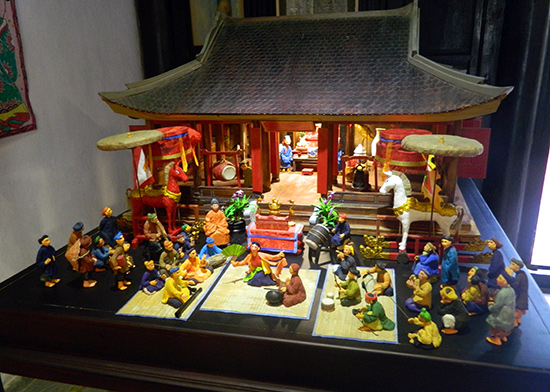 Một mô hình sân khấu truyền thống của Nguyễn Cao Thắng.