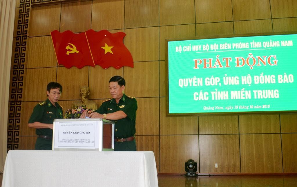 Lãnh đạo BĐBP tỉnh quyên góp