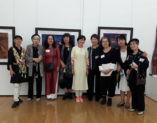 Đoàn Việt Nam, Nhật Bản, Hàn Quốc tại ngày khai mạc triển lãm. Ảnh: T.T.S