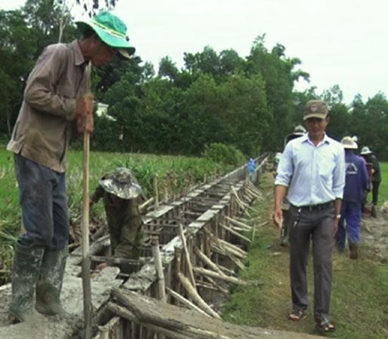 Đảm bảo công tác thủy lợi là một trong những lĩnh vực mà HTX DVNN&KDTH Tam Lộc thực hiện hiệu quả trong thời gian qua. Ảnh: VĂN CÔNG
