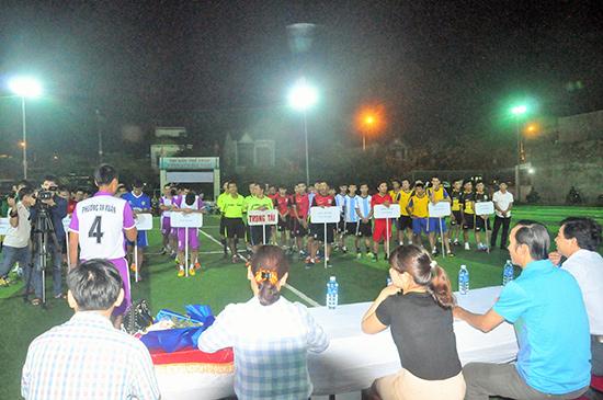 Các đội vô địch xã, phường có cơ hội để thể hiện mình qua giải đấu do thành phố tổ chức