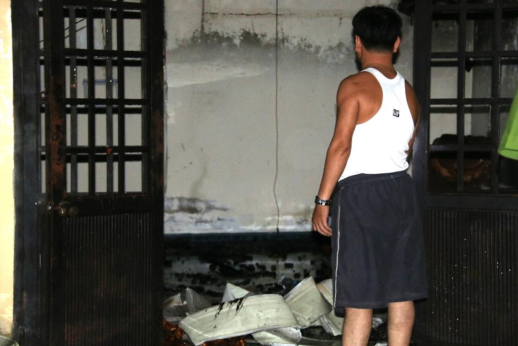 Do căn nhà không có nhiều vật dụng nên thiệt hại của vụ cháy không đáng kể.