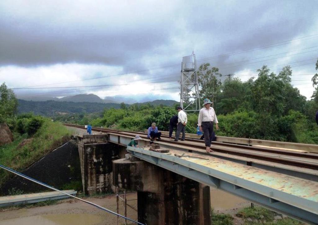 Cầu vượt đường sắt Chiêm Sơn, nơi xảy ra vụ việc