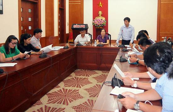 Đoàn công tác Trung tâm Hành chính công và xúc tiến đầu tư tỉnh học tập kinh nghiệm tại Quảng Ninh.  Ảnh: N.PHÚC