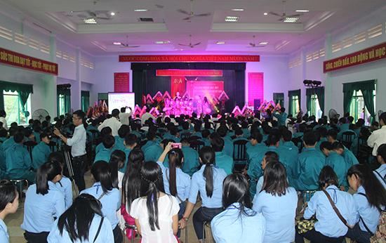 Quang cảnh lễ khai giảng năm học mới của Trường Cao đẳng Nghề Quảng Nam.