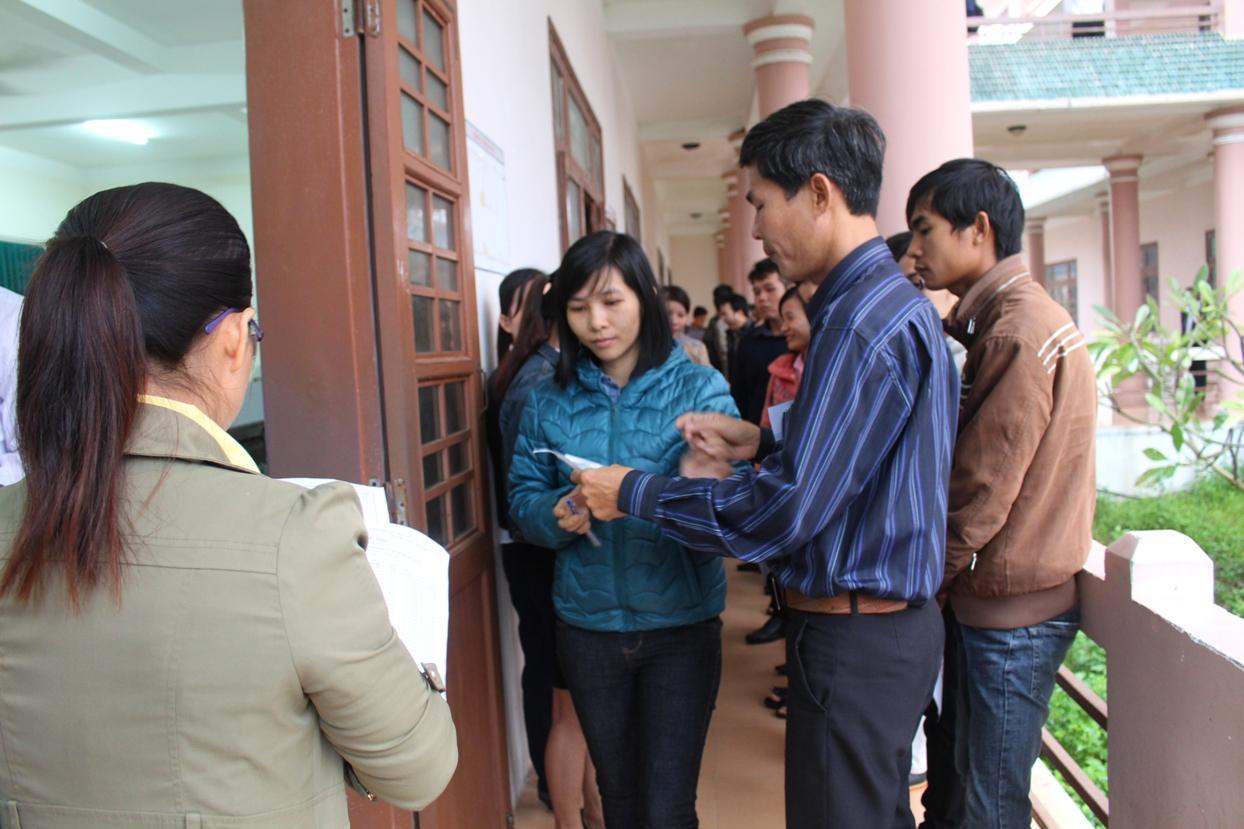Sau lễ khai mạc, các thí sinh bắt đầu dự thi các môn trắc nghiệm. Ảnh: V.H