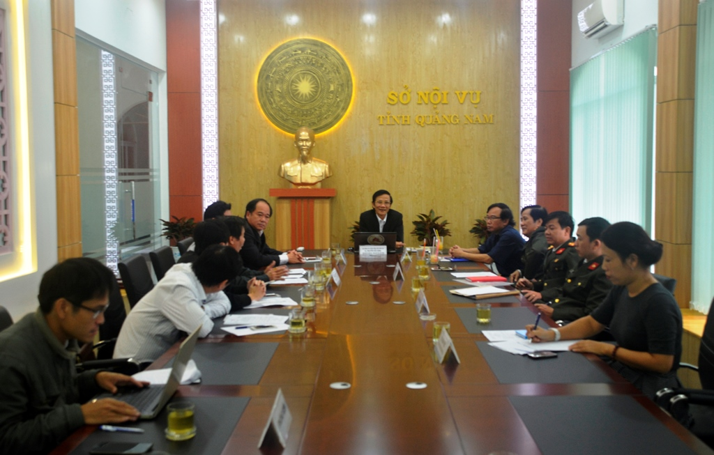 Hội đồng thi tuyển công chức năm 2016 họp giao nhiệm vụ cho Ban phách. Ảnh: XUÂN THỌ