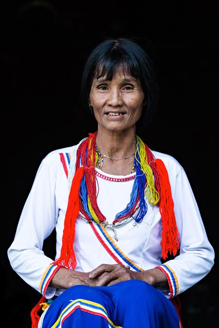 Trang phục người Cor tại Quảng Nam.