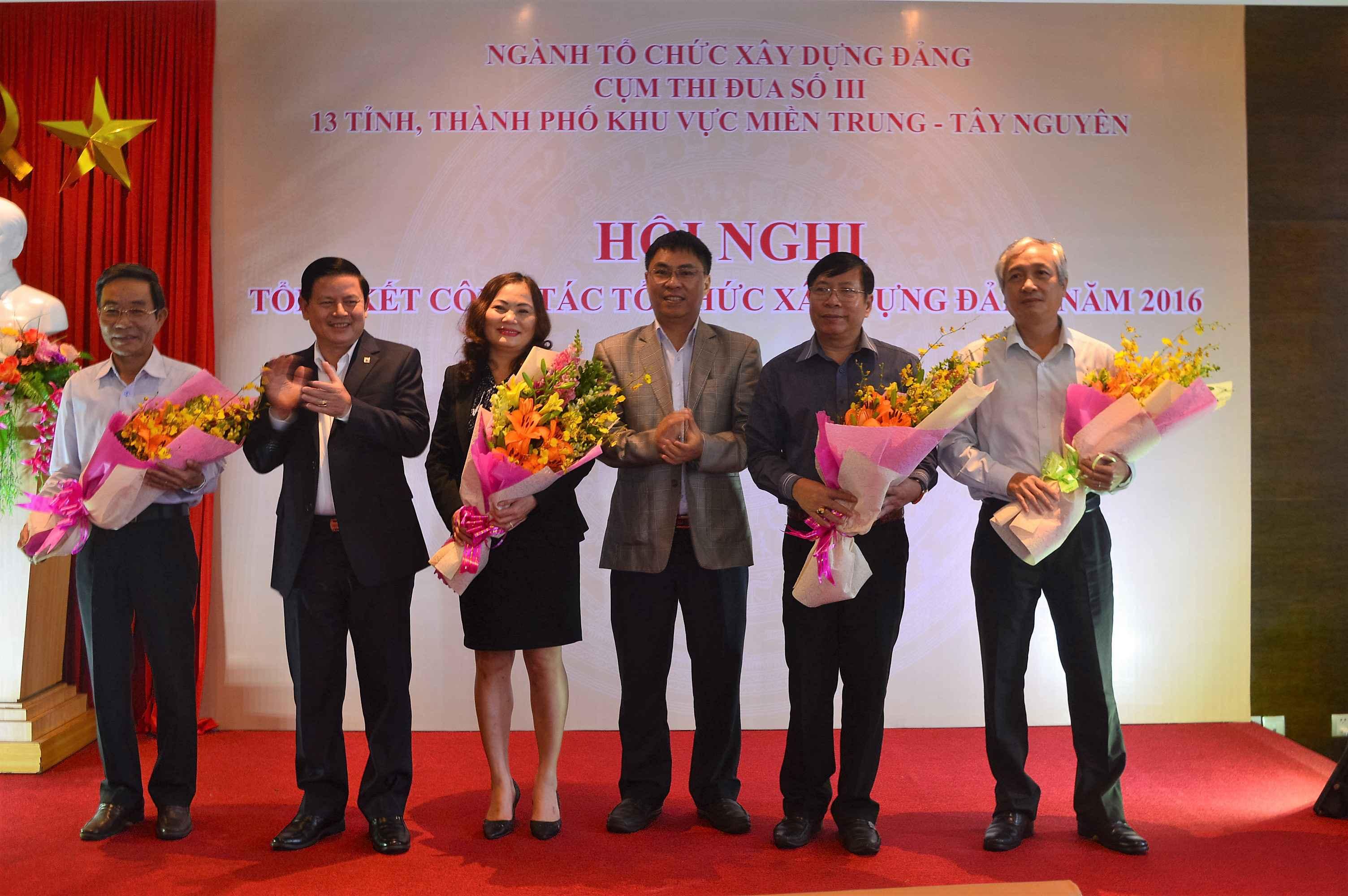 Ban Tổ chức Tỉnh ủy Quảng Nam được tín nhiệm cho chức danh cụm phó trong năm 2017. Ảnh: Q.T