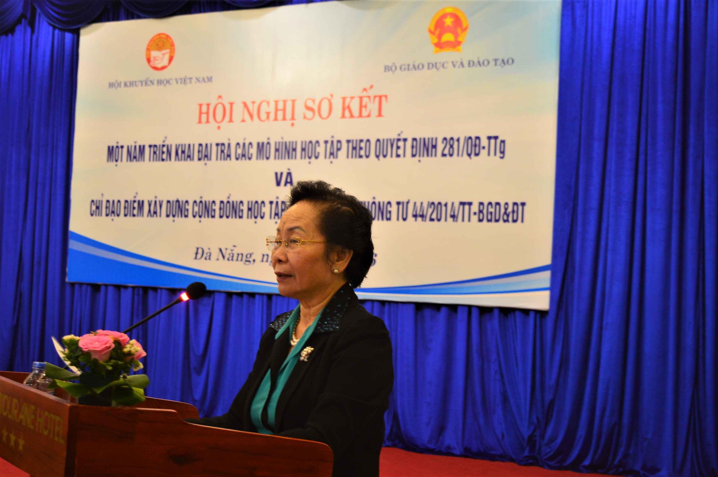 Nguyên Phó chủ tịch nước, Chủ tịch Hội khuyến học Việt Nam Nguyễn Thị Doan phát biểu tại hội nghị. Ảnh: Q.T