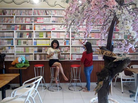 Không qian quán Comic Book Cafe.