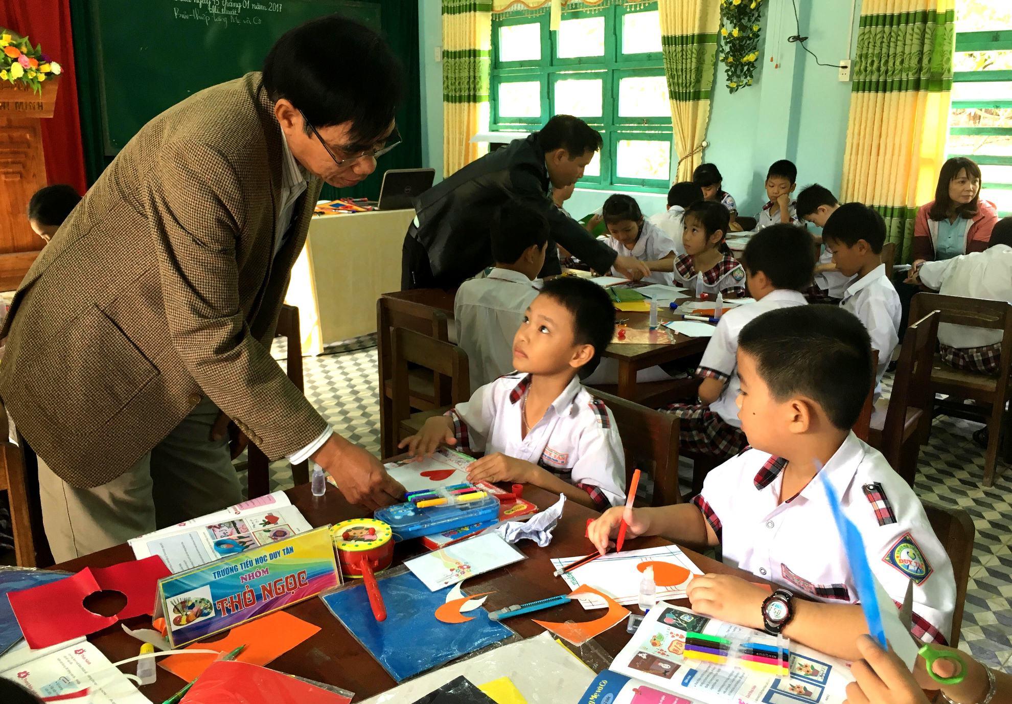 Học sinh sẽ là trung tâm trong phương pháp dạy học mới. Ảnh: PHAN VINH