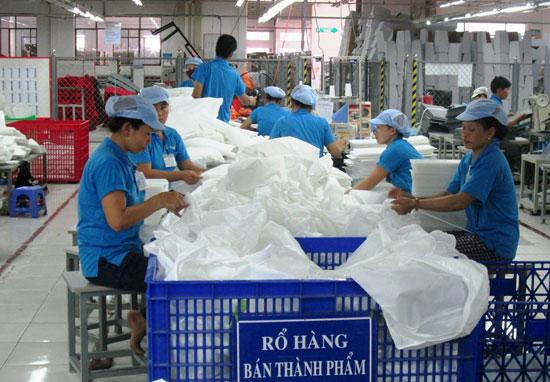 Năm 2016 giá trị sản xuất công nghiệp - tiểu thủ công nghiệp của Duy Xuyên đạt 2.714 tỷ đồng, tăng gần 16% so với năm 2015.