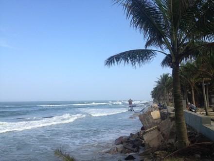 Photo: Cua Dai coastline has been eroded seriously