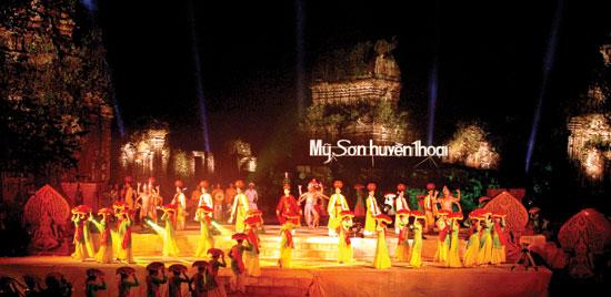 Đêm Mỹ Sơn huyền thoại, được tổ chức năm 2005. Ảnh: LÊ VẤN