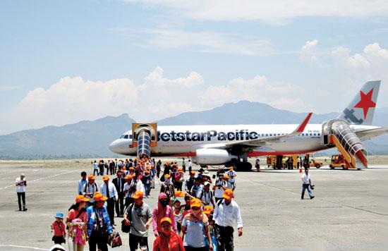 Hành khách qua Cảng hàng không Chu Lai.Ảnh: MINH ĐỨC
