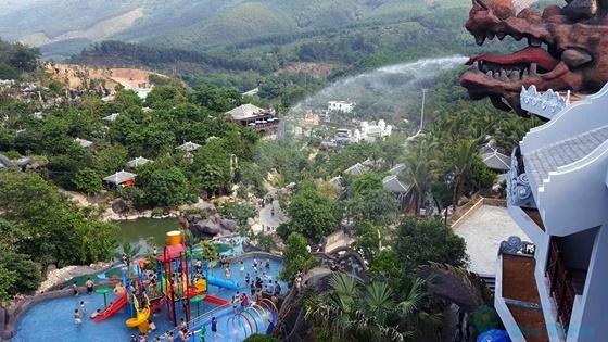 Một góc khu Công viên khoáng nóng Núi Thần tài