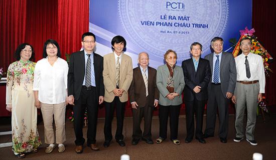 Ra mắt Hội đồng khoa học Viện Phan Châu Trinh. Ảnh: Minh Hải