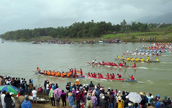 Sôi nổi lễ hội sông nước vùng Đại Lộc. Ảnh: H.L