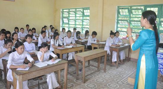 Đợt này, ngành GD-ĐT tỉnh tuyển dụng 110 giáo viên THPT theo hình thức xét tuyển để bổ sung cho các trường THPT. Ảnh: X.P