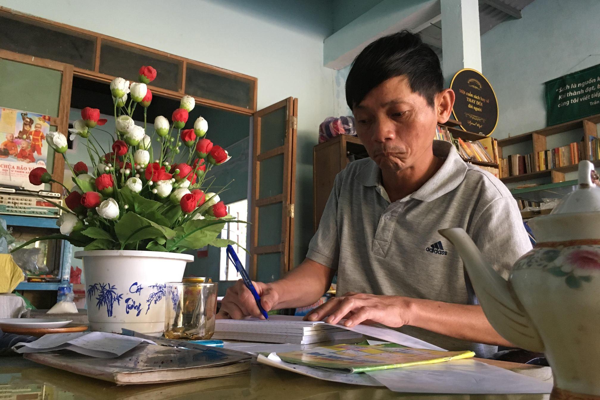"""Chủ đề """"Trăng Xuân"""" được anh Ninh ấp ủ từ lâu để giới thiệu trong đêm thơ năm nay. Ảnh: Nhân vật cung cấp"""