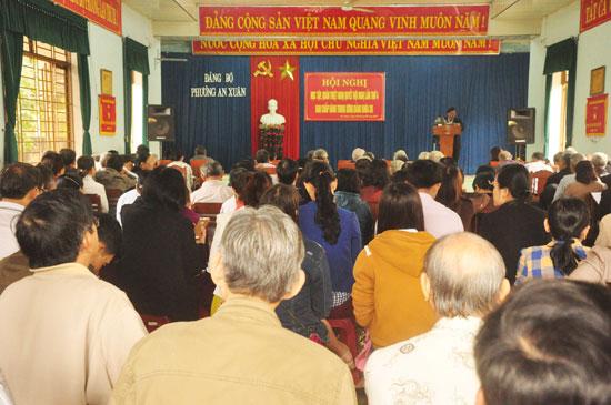 Đảng bộ phường An Xuân (TP.Tam Kỳ) tổ chức quán triệt Nghị quyết Trung ương 4 khóa XII cho cán bộ, đảng viên địa phương.  Ảnh: H.GIANG