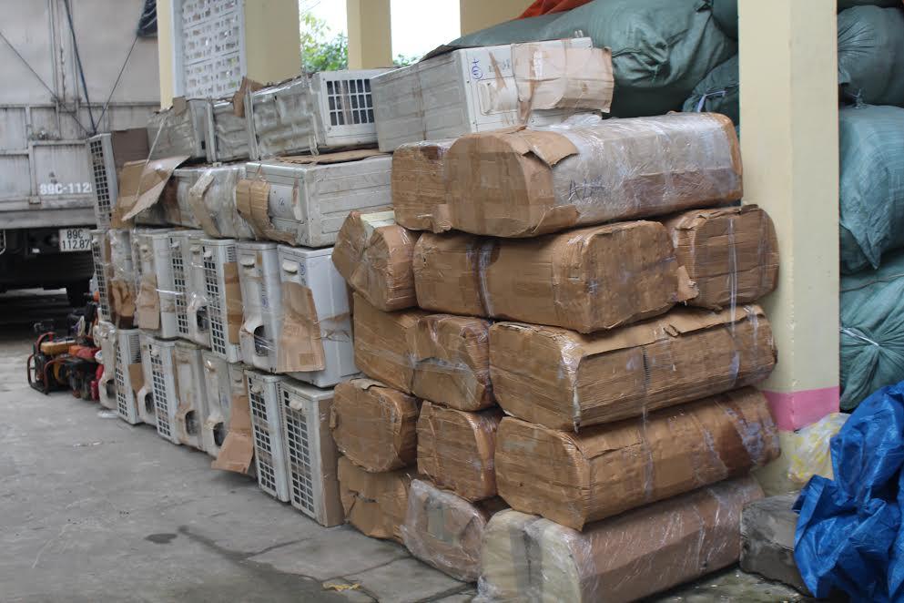 Số hàng hóa khồn hóa đơn chứng từ được tạm giữ để phục vụ điều tra..
