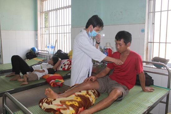 Người dân vùng núi cao Nam Trà My đã biết đến bệnh viện khi ốm đau. Ảnh: D.L