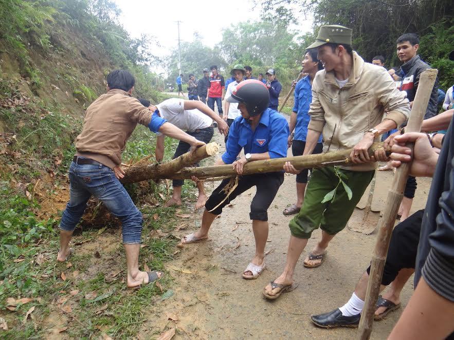 Sửa chữa, đắp taly đường giao thông nông thôn