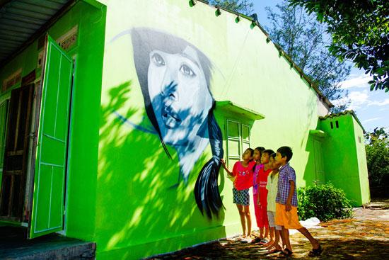 Làng bích họa Tam Thanh (xã Tam Thanh, TP.Tam Kỳ) là một trong những dự án cộng đồng tạo dấu ấn của Hàn Quốc tại Quảng Nam. Ảnh: PHƯƠNG THẢO