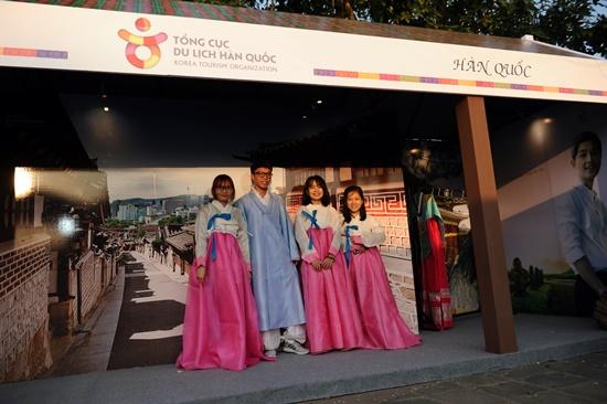 Chụp ảnh trang phục Hàn Quốc